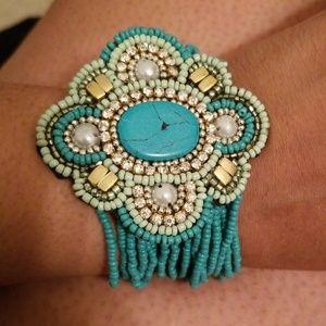 Jewelry - Turquoise stretch bead bracelet